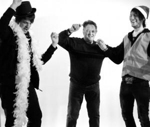 Drei Teilnehmende des Projektes vor der Kamera