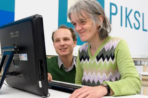 Benjamin Freese, Leiter des PIKSL Labor und Elisabeth Hermann, PIKLS-Laborantin