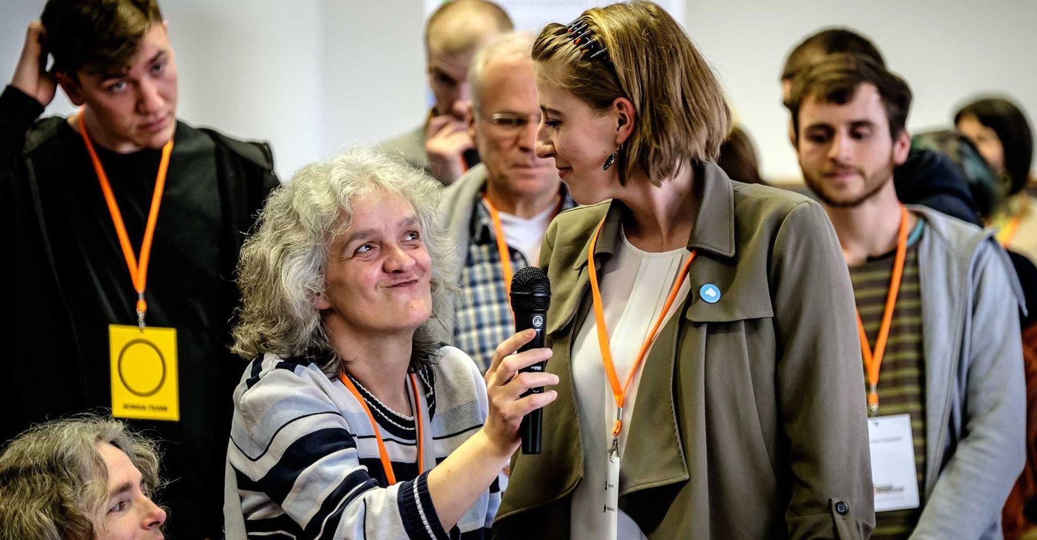 Corinna Wulf im Gespräch mit Elisabeth Herrmann