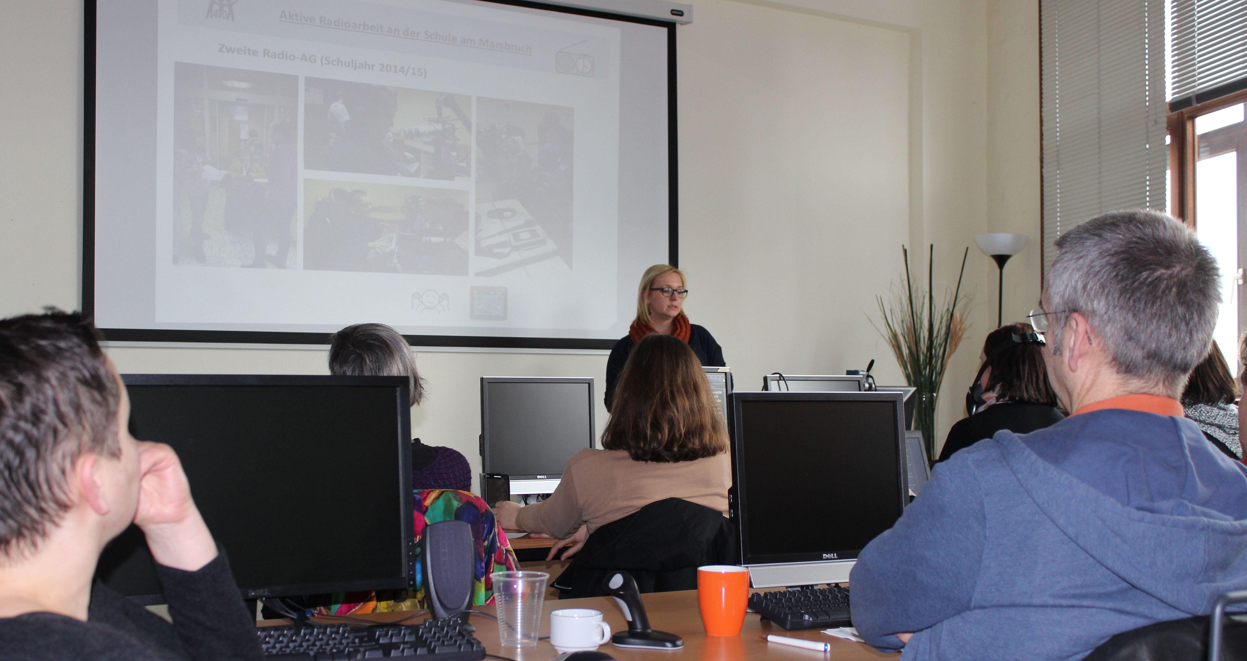 Anette Pola präsentiert ihr Projekt