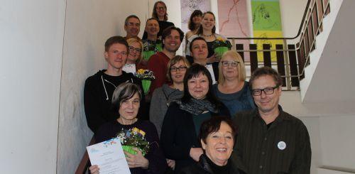 Alle Teilnehmenden des Inklusionsscout-Workshops auf der Treppe