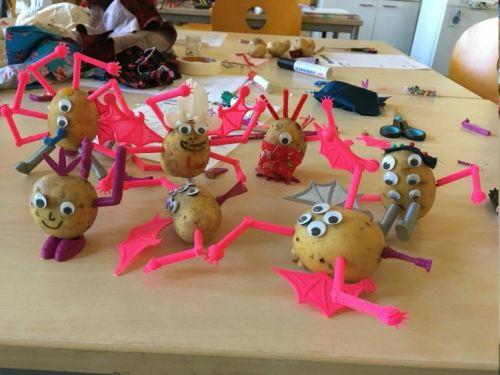 Mit 3D-Druck-Teilen designte Kartoffelfiguren