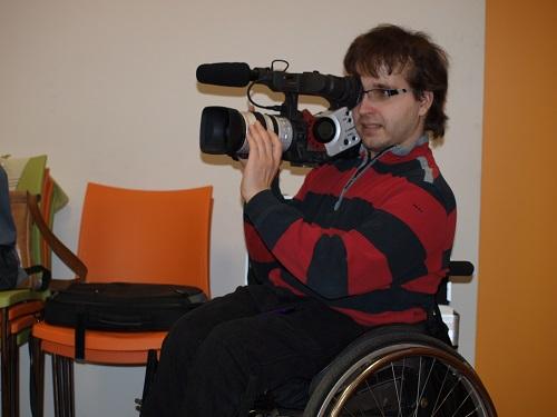 Kameramann im Rollstuhl
