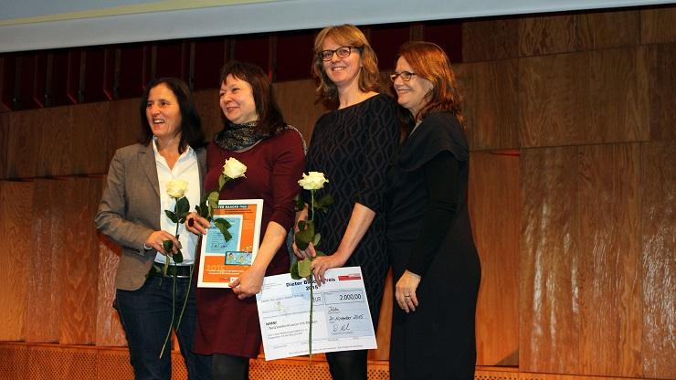 Christine Ketzer und Susanne Böhmig bei der Verleihung des Baacke Preises