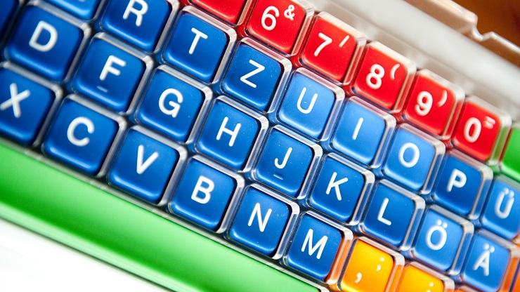 Lerntastatur Clevy mit bunten Tasten