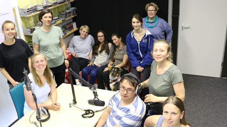 Teilnehmende des inklusiven Radioprojekts