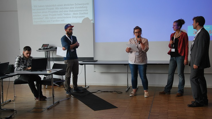 Teilnehmende des Camp Nimn!-Barcamps