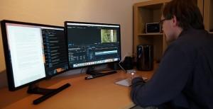 Maxim Löwen bei der Arbeit am Computer