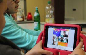 iPad mit pinker Hülle und Comic mit Comic Life