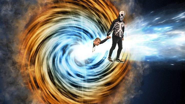 Junge wird im Weltall entführt von einem Alien-Skelett