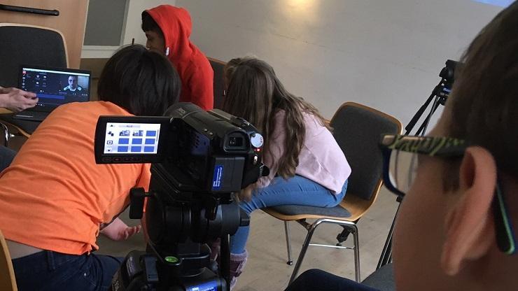 Kinder vor der Kamera