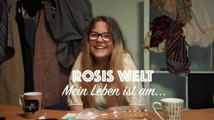 Screenshot aus Film Rosi Welt: Lachende Junge Frau. Titel: Rosis Welt - Mein Leben ist am...