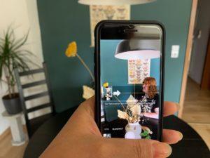 Mit Panorama-Funktion aus einer Person ein Bild mit zwei Personen machen