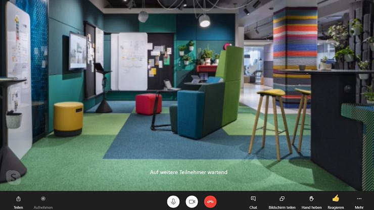 Screenshot von Skype mit virtuellem Hintergrund